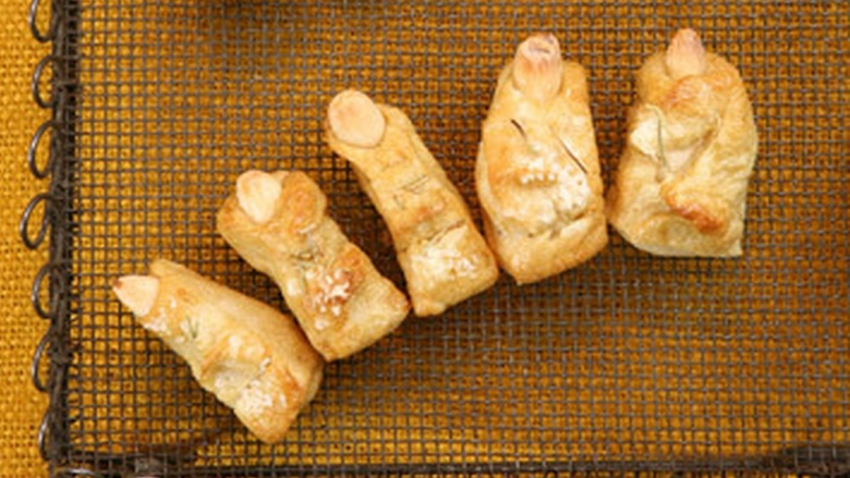 Lady fingers and men toes