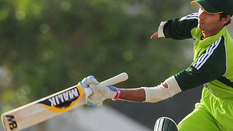 one-armed cricketer