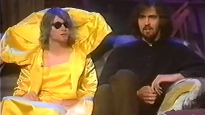 Nirvana interview with kurt Cobain in a dress