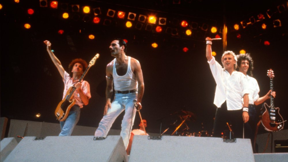 Queen receiving applause at Live AID