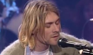 Screenshot from The Man Who Sold The World (MTV Unplugged)