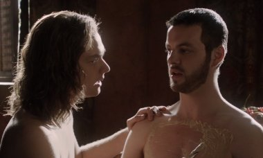biggest-scandals-hbo-game-thrones-renly-loras